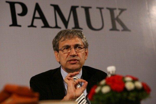 Veliki Pamuk, mali Turci i novinari