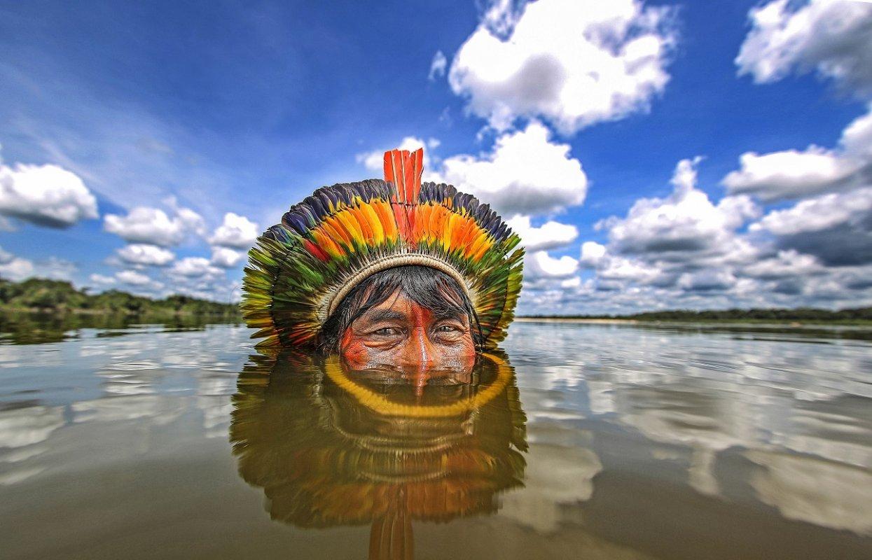 Intervju: Rikardo Stakert, fotograf koji već dve decenije fotografiše brazilske Indijance za Kaleidoskop media govori o plemenima koja su potpuno izolovana od civilizacije.